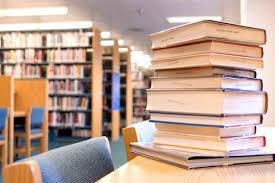 پاورپوینت ساختمان و تجهیزات کتابخانه در 167 اسلاید انواع كتابخانه ها و وظایف و اهداف تاسیس نقش كتابدار بخش های مختلف كتابخانه