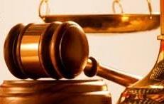 پاورپوینت بررسی گواهینامه های پزشكی و رازپوشی حرفه ای از نظر حقوقی گواهینامه های پزشكی و رازپوشی حرفه ای از نظر حقوقی گواهی پزشكی  راز پزشكی چیست ماده 648 قانون مجازات اسلامى  در چه زمانى افشا اسرار بیمار جایز است  گواهی خلاف واقع ماده 539 قانون مجازات اسلامى